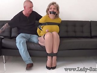 Mature chick, Dame Sonia was bound up, dimension her colleague was riveting her meaty milk cans