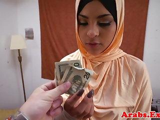 Fulminous arab habiba cumsprayed in mouth