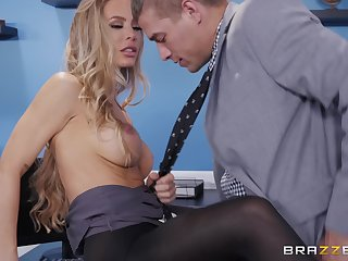 Nicole Aniston likes to try new ways of reaching memorable crossroads