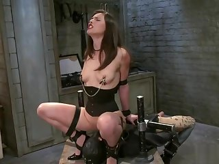 Racy Casey Calvert in wild hardcore drilling