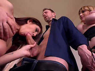 Aida Swinger Hot Threesome Porn Video