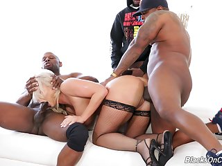 Amazing and curvaceous MILF London River takes double BBC penetration