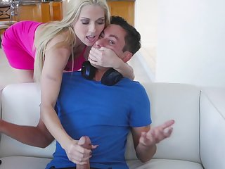 Perfect MILF with body of goddess Christie Stevens rides strong cock