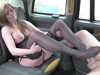 Fixed devoted to Holly Hug fucked in the near be beneficial to the infamous Fake Taxi
