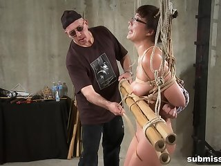 Amateur tweak girl tied up and torture with a vibrator and toys