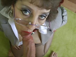 Stockings Grandma fucked in office quarter