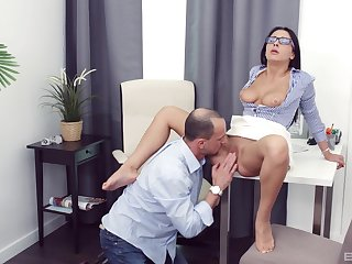 Chanel Lux gives a blowjob to make him hard plus gets fucked